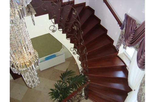 Лестницы и изделия из дерева, фото — «Реклама Севастополя»