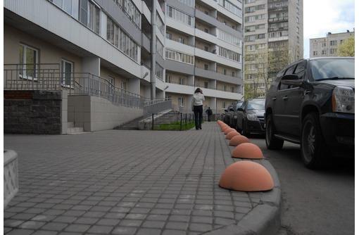 Тротуарная плитка. Декоративный камень. Бетонные ограничители парковки., фото — «Реклама Севастополя»