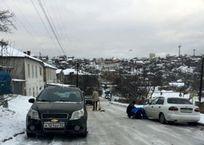 Дорожники обошли стороной ледяные проблемы севастопольских горок, фото — «Рекламы Севастополя»