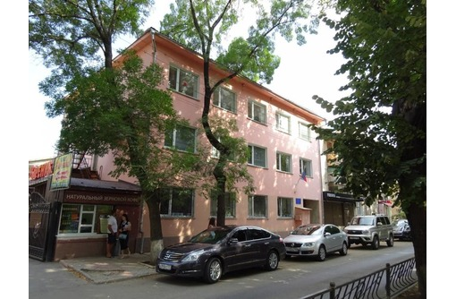 Продам здание на бул. Франко Симферополь, фото — «Реклама Симферополя»