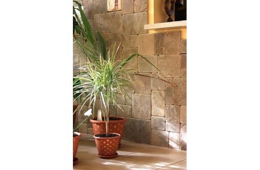 Плитка окатанная из песчаника природного, фото — «Реклама Севастополя»