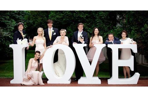 Объёмные буквы и декор на свадьбу и для фотосессии, фото — «Реклама Севастополя»