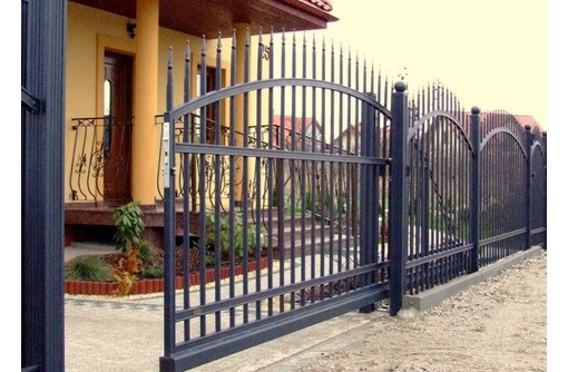 Откатные металические ворота, фото — «Реклама Алушты»