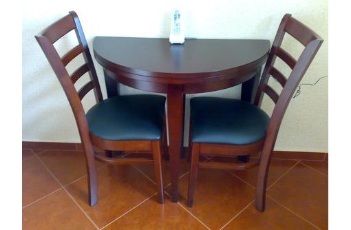 Стол и два стула,малазийский дуб, фото — «Реклама Севастополя»