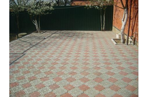 Производство тротуарной плитки(дизайн и укладка), фото — «Реклама Севастополя»