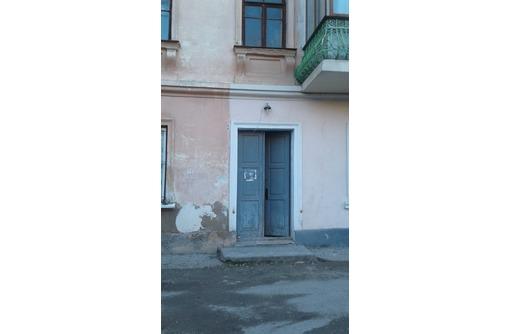 Продаю 1-комнатную в центре, возможно под коммерческое помещение., фото — «Реклама Севастополя»