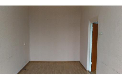 Сдам офис площадью 80 м2 на ул. Гагарина( ж/д Вокзал, к/т Космос, пл. Москольцо), фото — «Реклама Симферополя»