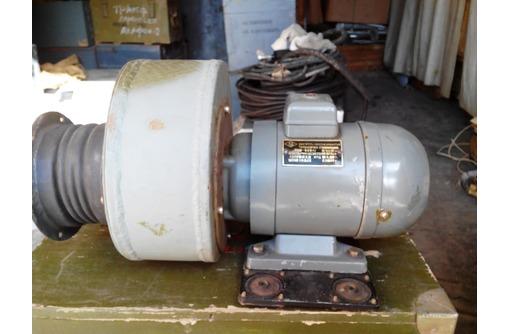 Электродвигатель: тип АОЛ 12/2, фото — «Реклама Севастополя»