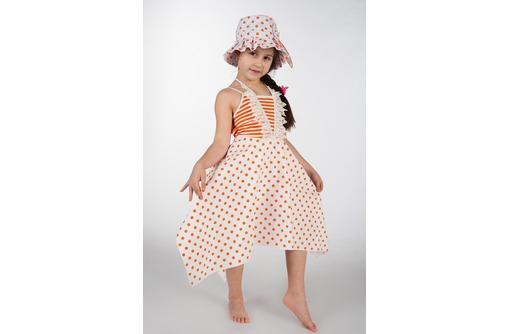 Новые наряды для юных модниц-платье (украшено жемчужинками) плюс панама., фото — «Реклама Севастополя»