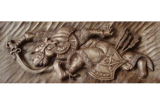 Резчик по дереву рельефная и горельефная резьба  только ручной работы, фото — «Реклама Севастополя»