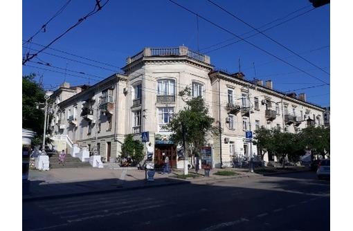 Продается  , 65 м², 3 эт., ул Большая Морская, фото — «Реклама Севастополя»