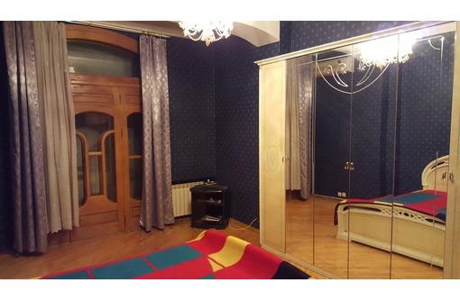 Сдам 3-комнатный  люкс в центре, пл.Лазарева, фото — «Реклама Севастополя»