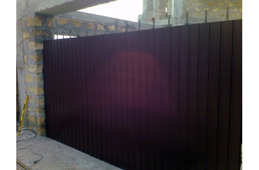 Ворота из профлиста Севастополь, фото — «Реклама Севастополя»