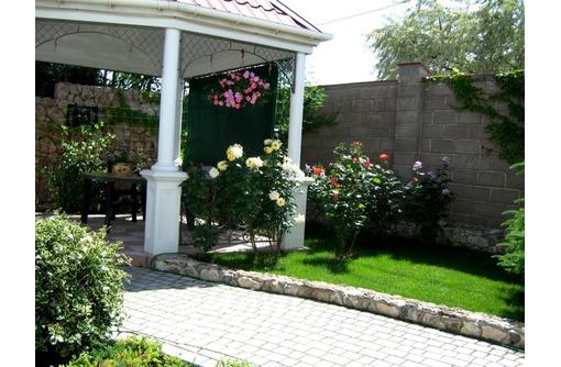 Уход за садом. Озеленение. Обрезка деревьев. Перекопка., фото — «Реклама Севастополя»