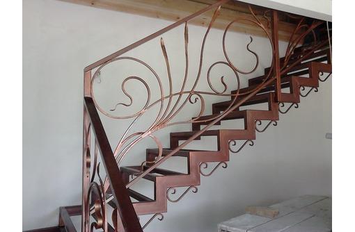 Изготовление лестниц под заказ, фото — «Реклама Симферополя»