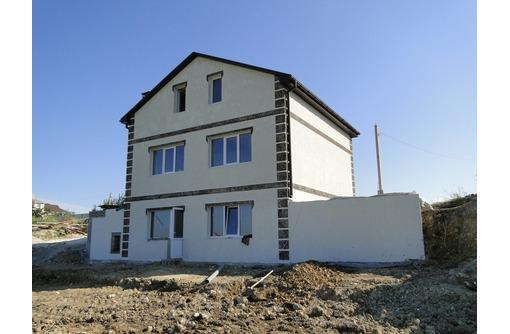 Продам трехэтажный дом 260 м2 на участке 4 сотки СТ Родник (7-й км), фото — «Реклама Севастополя»
