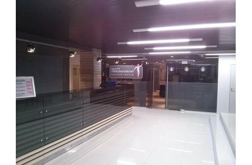 Cтеклянные, душевые перегородки, двери и ограждения из стекла., фото — «Реклама Ялты»