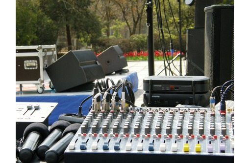 Ремонт звукового оборудования в Феодосии, фото — «Реклама Феодосии»