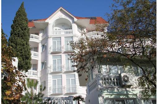 Отель в центре Алушты. Номера и апартаменты., фото — «Реклама Алушты»
