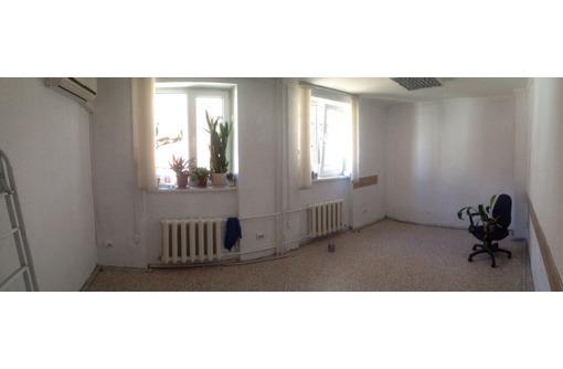 Сдам помещение с мебелью 18м2 в офисном центре, фото — «Реклама Симферополя»