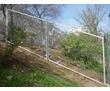 Изготовление заборных секций из сетки рабицы под ключ, фото — «Реклама Севастополя»