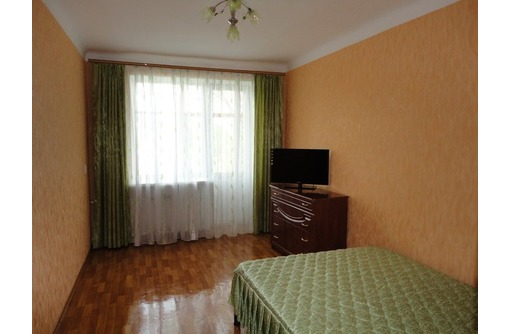сдается посуточно двухкомнатная квартира(люкс) в центре города, фото — «Реклама Севастополя»