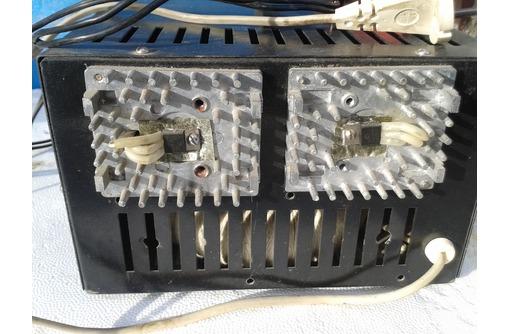 продам преобразователь напряжения 12 в на 220 в  мощность 0,6 К вт., фото — «Реклама Севастополя»