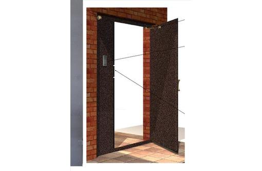 Установка домофонов и металлических дверей, фото — «Реклама Севастополя»