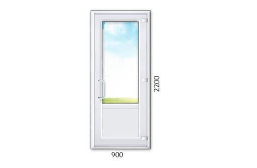 Входные и межкомнатные двери из ПВХ, фото — «Реклама Алупки»