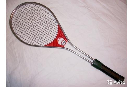 Продаю в Севастополе 2 польские ракетки Stomil для большого тенниса с чехлами, фото — «Реклама Севастополя»