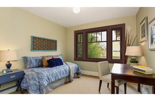 Окно 2,1*1,4 Золотой дуб!, фото — «Реклама Алупки»