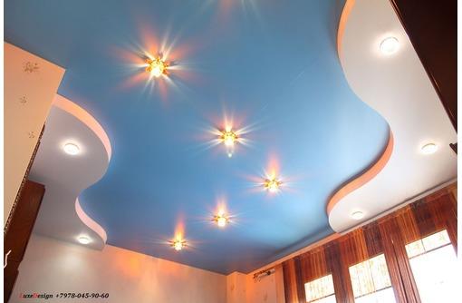 Сатиновые натяжные потолки LuxeDesign, фото — «Реклама города Саки»