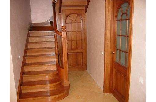 Монтаж, изготовление лестниц из дерева, фото — «Реклама Симферополя»