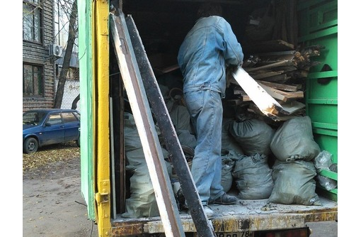 Вывоз мусора, уборка чердкав подвалов, услуги грузчиков, фото — «Реклама Севастополя»
