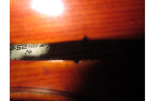 Скрипка мастеровая Ивана Варычева, фото — «Реклама Симферополя»