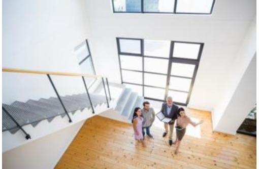 Агентство недвижимости приглашает сотрудников для продаж жилой недвижимости, фото — «Реклама Севастополя»