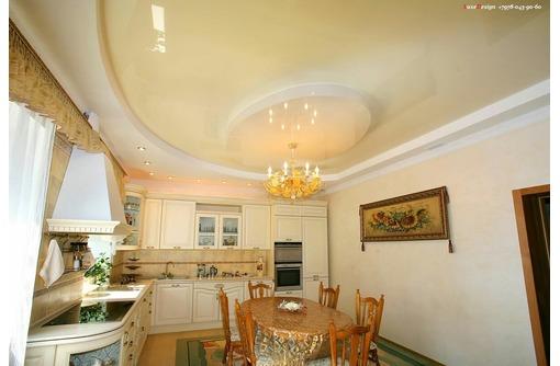 Натяжные потолки на кухне LuxeDesign, фото — «Реклама Бахчисарая»