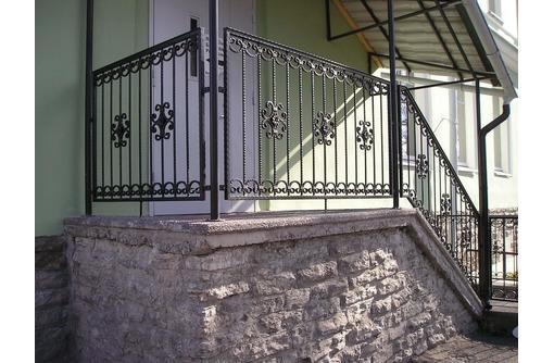 Изготовление лестниц, перил, балконных ограждений. Изготовление металлоконструкций, фото — «Реклама Ялты»