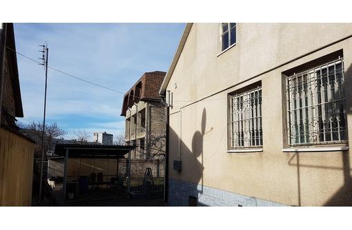 Дом и СТО на Бородинском кольце. Симферополь, фото — «Реклама Симферополя»