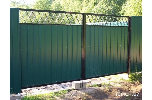 Ворота из  металла  и профнастила, фото — «Реклама Севастополя»