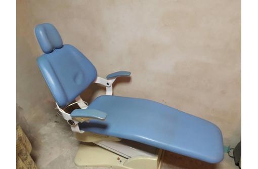 Стоматологическое кресло б/у в рабочем состоянии, фото — «Реклама Симферополя»
