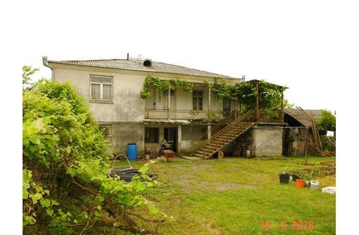 Большой жилой дом в Абхазии с мандариновым садом (имущество в подарок), фото — «Реклама Алупки»