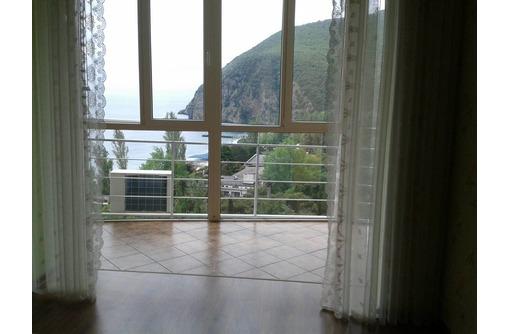 Видовые апартаменты,1-я линия, фото — «Реклама Партенита»