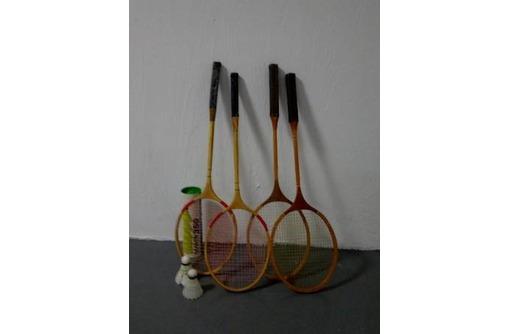 продаются бадминтонные деревянные ракетки, фото — «Реклама Севастополя»