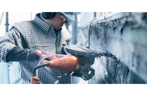 Перфоратор, отбойный молоток. Демонтажные работы, фото — «Реклама Севастополя»