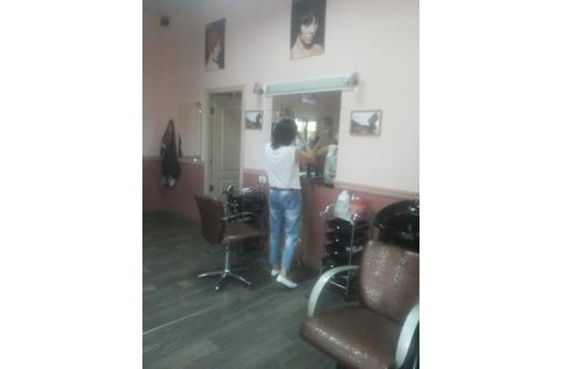 В салон красоты требуется мастер маникюра, фото — «Реклама Севастополя»