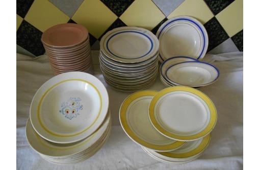Продам тарелочки с голубой каёмочкой и не только, фото — «Реклама Севастополя»