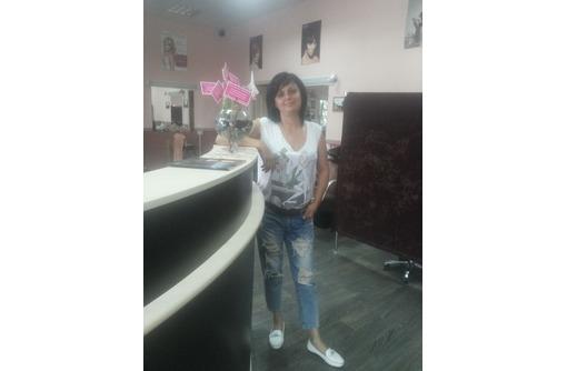 В салон красоты требуется мастер-парикмахер, фото — «Реклама Севастополя»