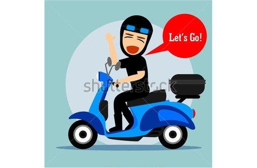 Требуется водитель с личным мопедом, фото — «Реклама Севастополя»