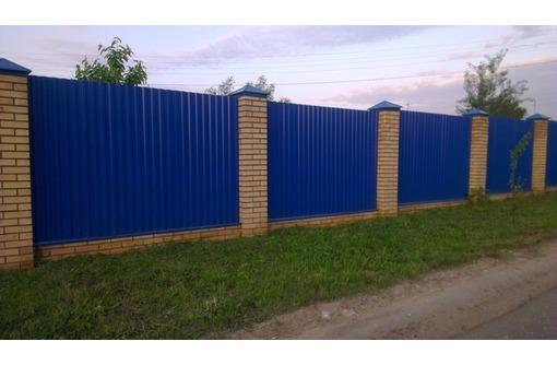Строительство заборов. Заборы из профлиста, кирпичные и кованые заборы, фото — «Реклама Севастополя»